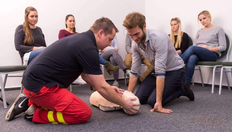 førstehjælpskursus kørekort slagelse